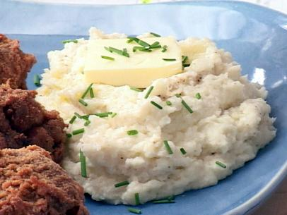 ll1a03_garlic_mashed_potatoes1.jpg.rend.sni12col.landscape