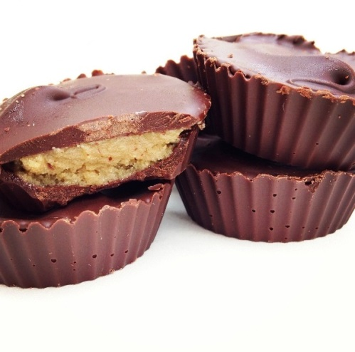 Paleo-Nut-Butter-Cups-Reeses-Peanut-Butter-Cup-Substitute
